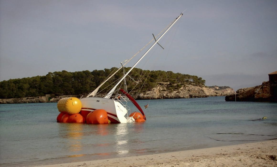 Image of a boat accident